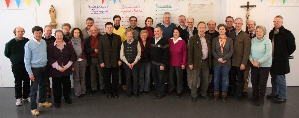Kirchenverwaltungen und Pfarrgemeinderäte lernen sich bei der Auftaktveranstaltung kennen