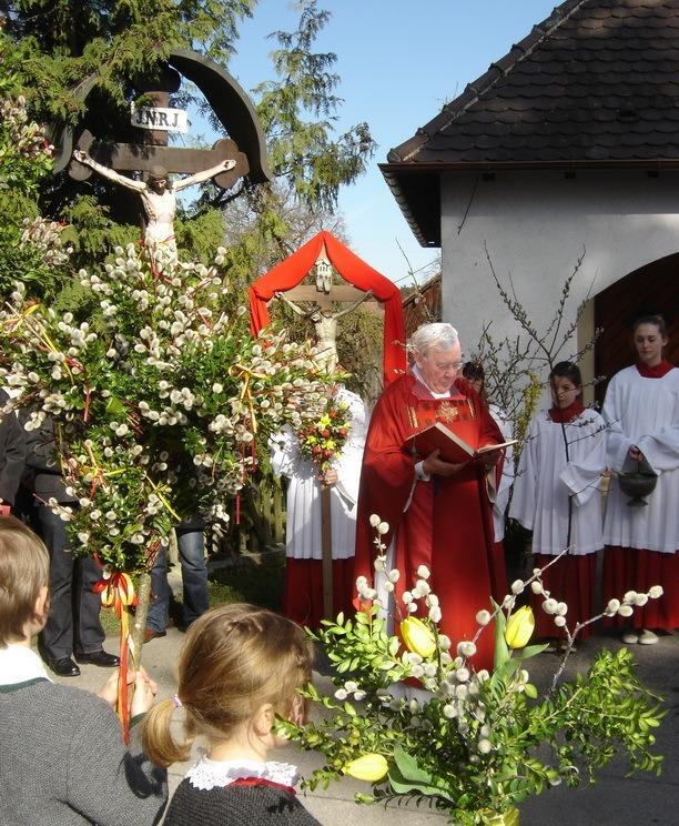 Segnung der Palmzweige zu Beginn der Heiligen Woche