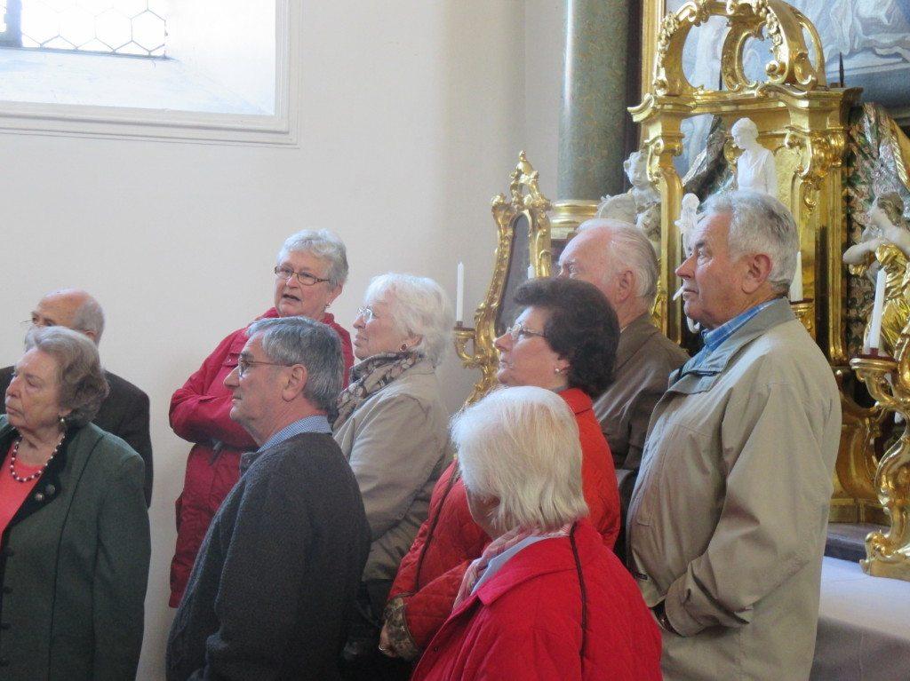 ...kritische Blicke bei der Kirchenführung