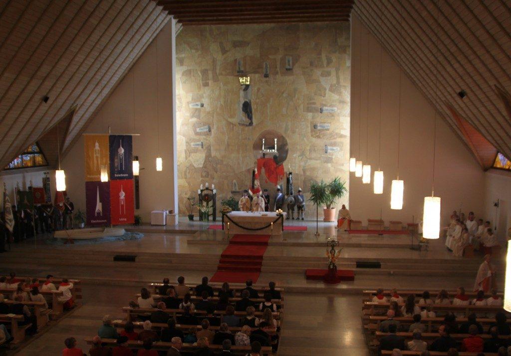 Festgottesdienst zur Pfarrverbandserhebung in St. Benedikt in Ebenhausen